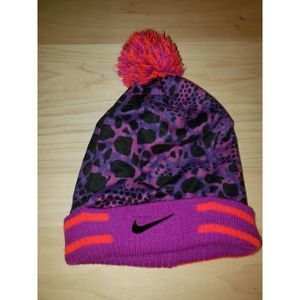 Nike Youth Winter Pompom Hat